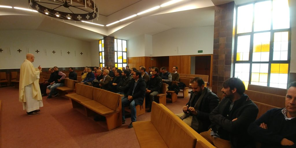 Encuentro Generacional 89-98. En la capilla